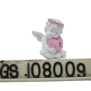 Quality Custom Cheap Resin Decorative Lovely Resin Baby Angels Figurine Resin Hug Heart Cupid Ornament for sale