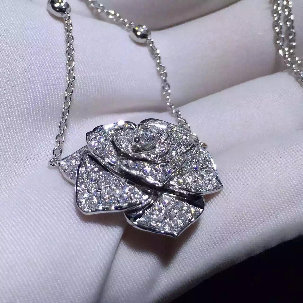 Quality Piaget Rose Pendant With 18k Gold Chain , Women'S Piaget Diamond Necklace  for sale