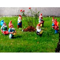 Quality 2012 new fashion resin decorative garden gnome with children decoration for sale