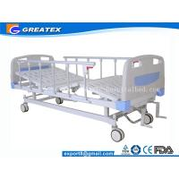 Quality Folding adjustable Manual Hospital Bed 2 crank With Central Braking System for sale