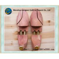 China Wooden Aromatic Cedar Shoe Stretchers Spring-Loaded for Women on sale