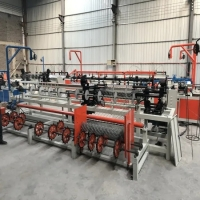 Quality 4m wide single line automatic high-yield chain fence weaving machine for road guardrail for sale