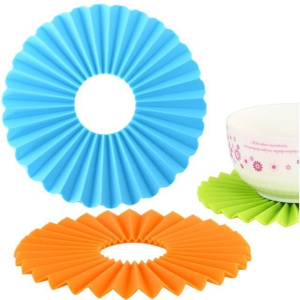 Buy BCB-101 Large Silicone Cutting Board with Measurement at wholesale prices
